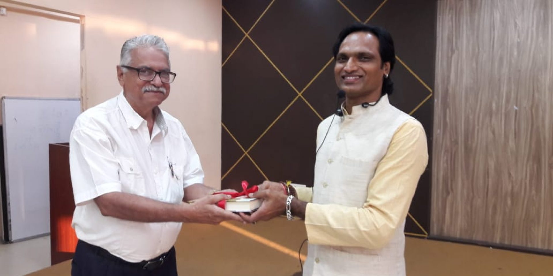 Goa Chamber invited Shri Amit Kumar on 15th February, 2019, who is a certified Yoga therapist, trainer and consultant to conduct One Hour FREE Yoga Awareness Workshop.