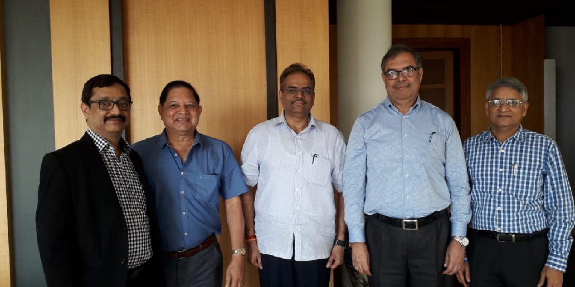 Goa Chamber President Mr Sandip Bhandare and other officer bearers with Chief Secretary Mr Parimal Rai on 25th January, 2019